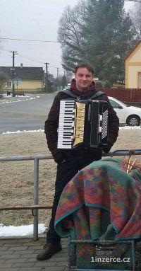 Harmonikář zahraje na Vaší akc