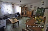 Majitel prodá dům u Prahy