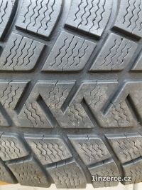 Michelin 235/70/R16