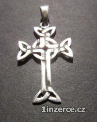 Kříž zdobný - přívěsek ze stří