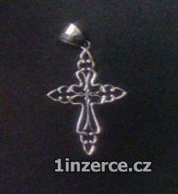 Kříž ze stříbra - průhledný a