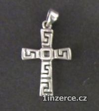 Kříž - přívěsek - vyrobený ze